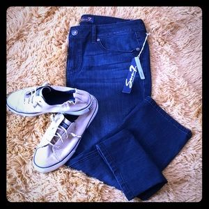 Seven7  Skinny 4-Way Stretch Capri Pant Size 14